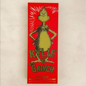 Kylie Cosmetics x Grinch collection lip kit